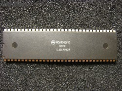 Motorola MC68000P10 three rows